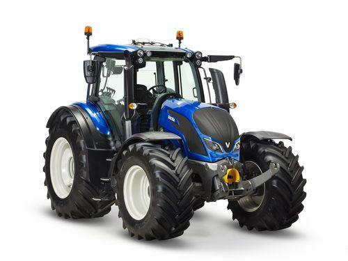 ValtraN174_TractorOftheYear_HR